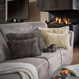 Coussin réversible élégant Un côté est doux comme de la laine et réchauffant, l'autre est d'une belle fraicheur. Parfait tout au long de l'année.