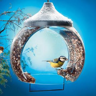 """La mangeoire à oiseaux """"cloche"""" Cette construction innovatrice éloigne les hôtes indésirables tels que les pigeons ou les chats."""