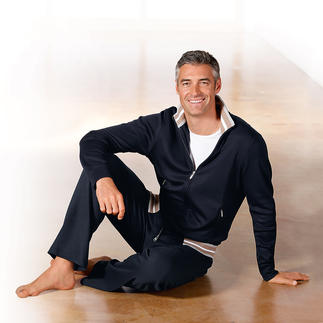 Survêtement homme en coton Pima, bleu marine Douillet, extrêmement confortable, toutefois très soigné.