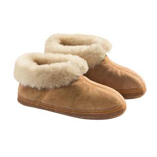 Chaussons-bottines en peau d'agneau Shepherd, homme ou femme Un abri douillet pour vos pieds. Chaussons hauts en peau d'agneau naturelle. Par Shepherd of Sweden.