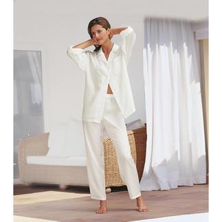 Pyjama en soie avec pochette Le pyjama en pure soie. Le luxe à un prix abordable. Avec pochette de voyage.