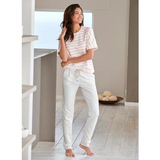 Shirt rayé ou Pantalon sweat HFor Agréablement confortable. Tendance porté en extérieur. Et abordable. L'ensemble détente du label belge HFor.