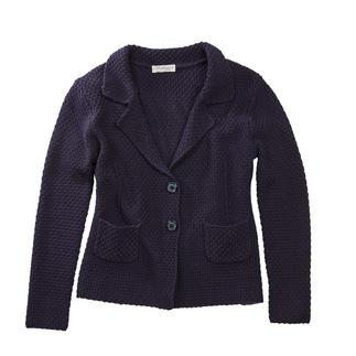 Blazer en tricot brickwork Carbery Blazer en tricot au motif texturé effet « brickwork ». Par la manufacture irlandaise Carbery.