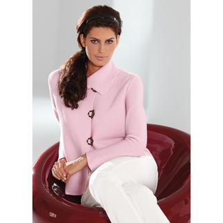 La veste en maille Belle ile Raffinée comme une veste couture. Polyvalente comme une veste en jean. Confortable comme une veste en maille.