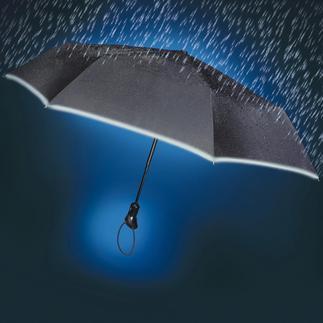 """Parapluie de poche """"Oversize"""" Le parapluie de poche """"Oversize"""" : hydrofuge et antisalissant – et parfaitement visible dans l'obscurité."""