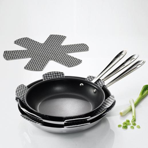 Empileurs, lot de 9 Enfin un accessoire qui permet d'empiler vos poêles et casseroles sans les abîmer.