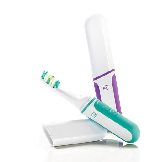 Les têtes de votre brosse à dent de voyage se changent très facilement.
