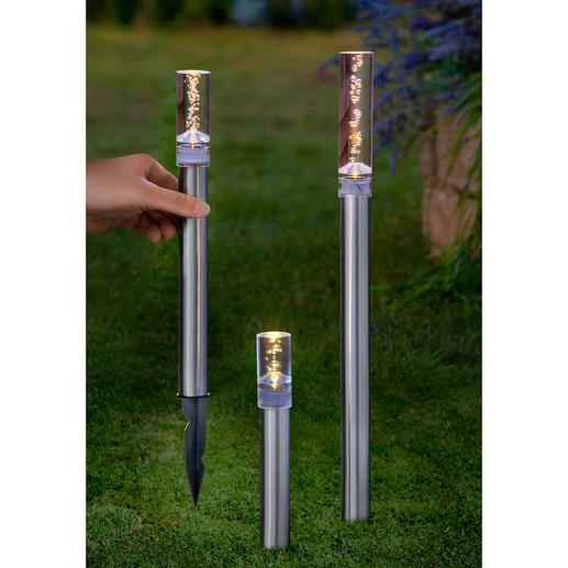 Tiges ou Suspensions solaires LED Ces lampes baignent de lumière votre jardin ou votre terrasse.