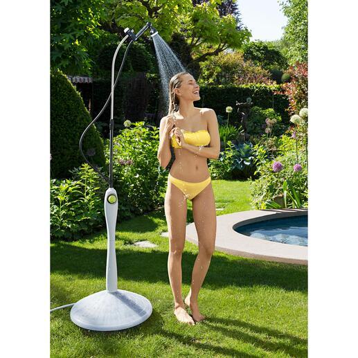 Douche solaire Sunny Premium Une eau à température agréable plutôt qu'une douche froide – grâce à la chaleur du soleil.