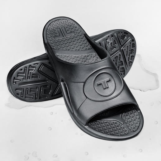 Mules ultralégères en Novalon™ Épousent la forme de vos pieds et vous assurent une totale relaxation. Anti-allergéniques et sans latex.