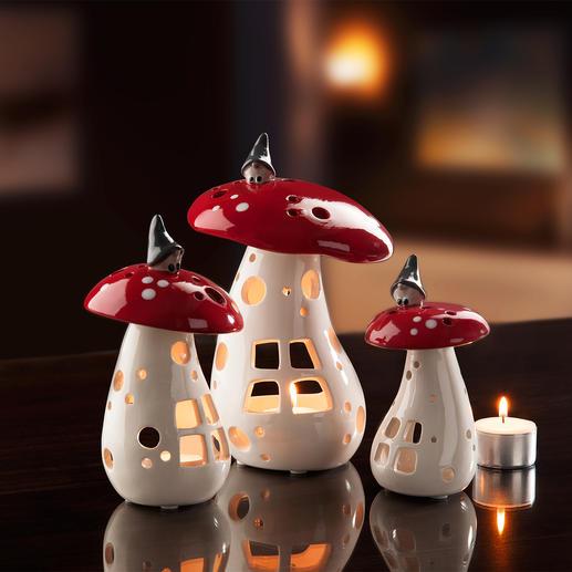 Lanterne champignon avec lutin, lot de 3 Chaque objet est soigneusement peint et émaillé à la main.