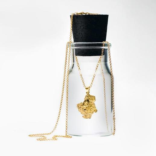 Collier pépites d'or Une véritable pépite d'or : un bijou original et unique, façonné par la nature. Plus précieux que le diamant.