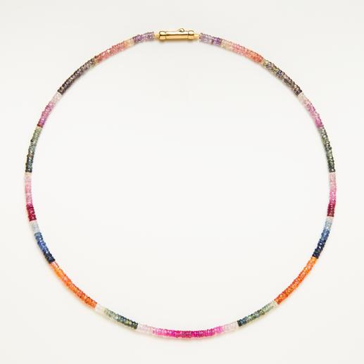Collier de saphirs - Rareté : tout le spectre de couleurs naturel du saphir réunit dans un seul bijou.