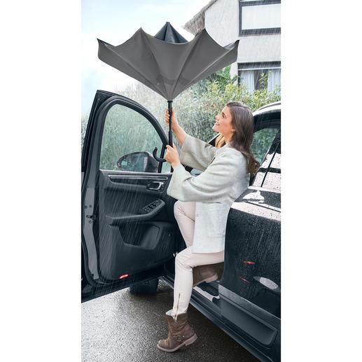 Parapluie citadin Lorsque vous quitter votre véhicule, ce parapluie à l'envers vous protège de la pluie.