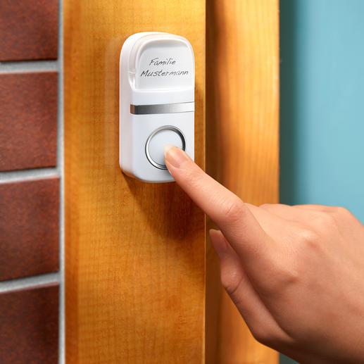 Fonctionne sans pile; la force mécanique exercée sur le bouton de la sonnette la transforme en courant.