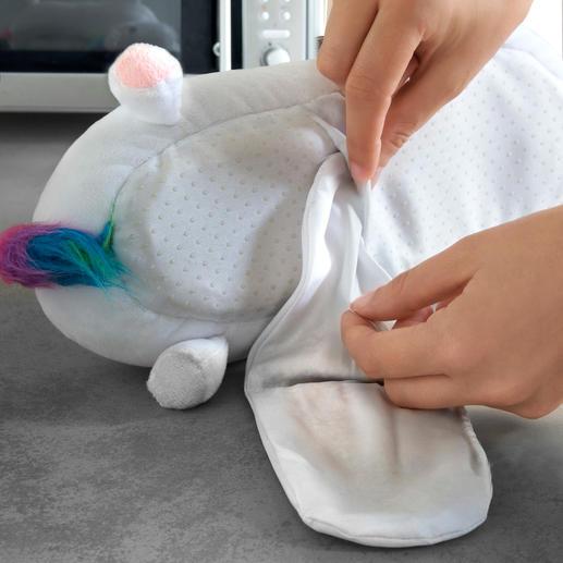 Placez le coussinet chauffant dans la semelle de vos nouveaux chaussons « licorne » en quelques gestes seulement.