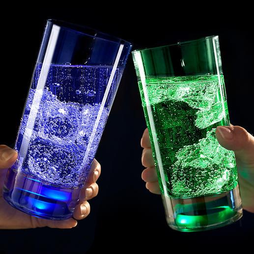 Verres lumineux TouchOn, lot de 2 pièces Des LED intégrées au fond de verre baignent vos boissons d'une lumière mystérieuse.