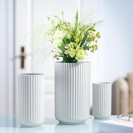 Vase en porcelaine Lyngby L'icône du design danois en porcelaine fine au superbe motif rainuré tiré à la main.