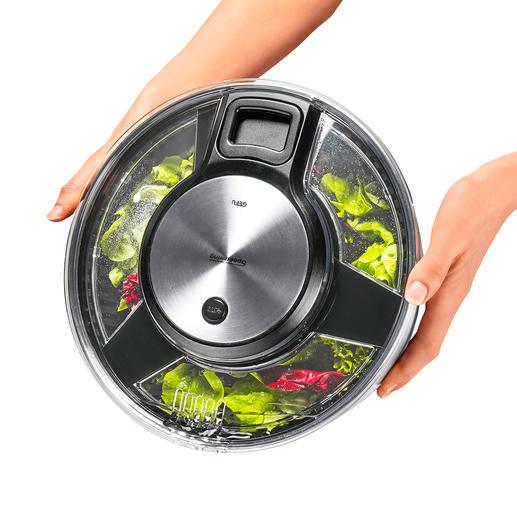 Des ouvertures dans le couvercle vous permettent de faire égoutter l'eau sans ouvrir l'essoreuse.