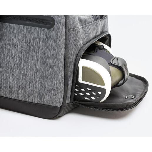 Particulièrement pratique: compartiment à chaussures ventilé, accessible de l'extérieur.