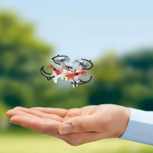 Minicoptère avec caméra - C'est un véritable quadricoptère avec un pilotage radiocommandé sur 4 canaux et une caméra embarquée.