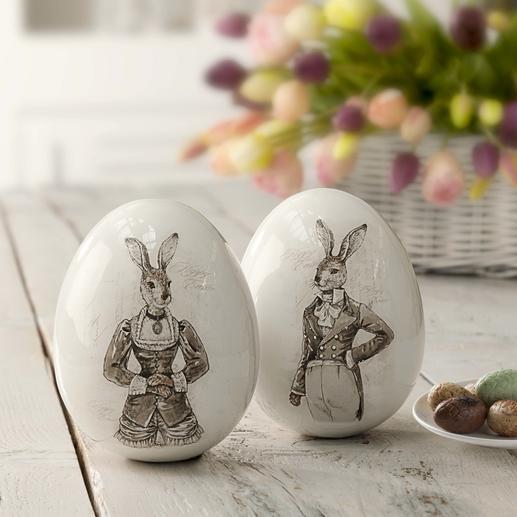 Œufs de Pâques nostalgiques « couple de lapins » Des superbes œufs en porcelaine aux motifs de lapins et au charme nostalgique indiscutable.