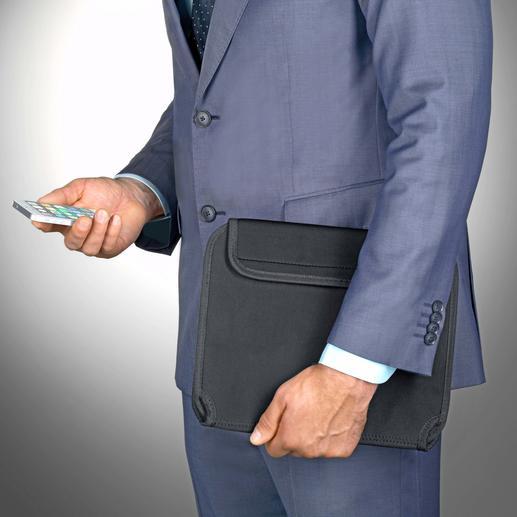 Votre tablette et vos accessoires vous accompagnent en déplacement, parfaitement rangés et à portée de main.