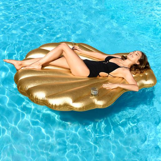 Coquille Saint-Jacques dorée Votre accessoire le plus stylé de l'été, dans une version luxe.