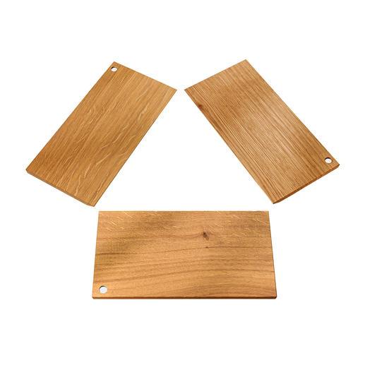 De petits aimants permettent d'assembler avec précision les planchettes en quelques gestes.