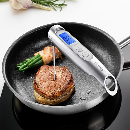 Avec sonde fine qui pénètre aisément dans les aliments et mesure la température à cœur à 0,5°C près.