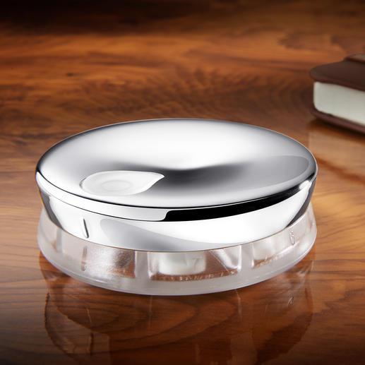 Pilulier Alessi Design Avec 7 compartiments et une fermeture sur pivot.