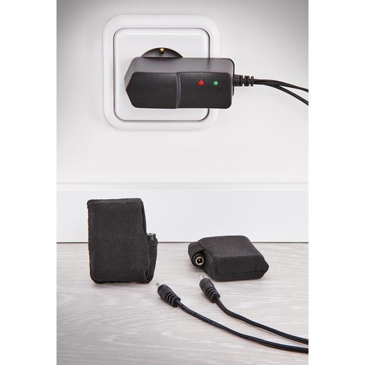 Le câble de charge fourni vous permet de recharger les deux batteries simultanément.