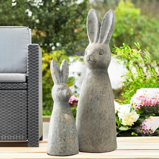 Statuette lapin Joliment travaillée. Format XL. Aspect pierre robuste, 100 % résistant aux intempéries.