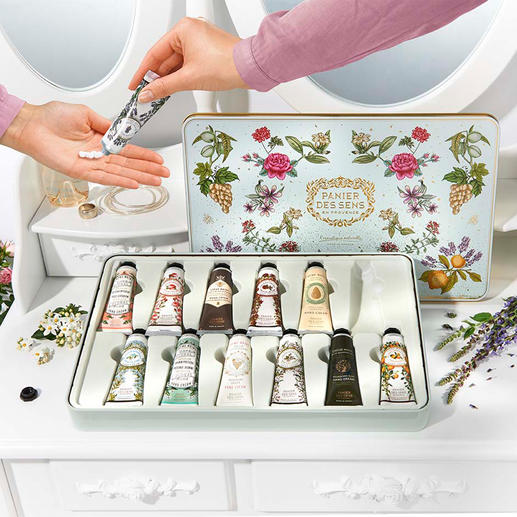 Soin des mains « Panier des sens », lot de 12 pièces (12 x 30 ml) Douze crèmes pour les mains aux précieuses huiles essentielles de Provence, composées à Grasse.