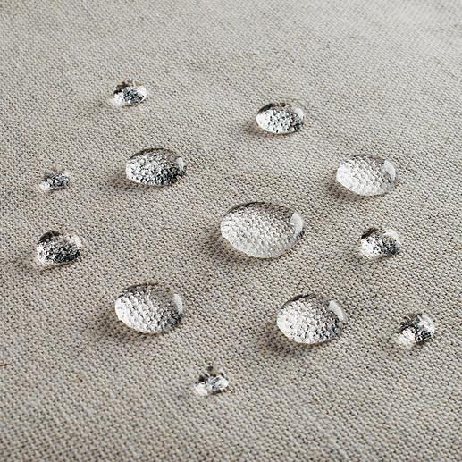 Grâce au revêtement Teflon™ antitaches, votre nappe conserve son aspect impeccable au fil du temps.