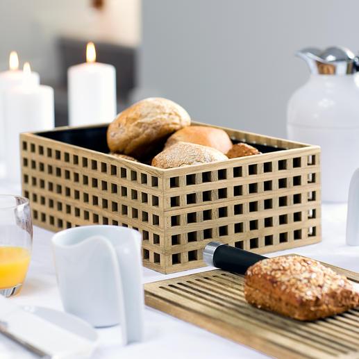 Corbeille à pain en bois de chêne Aérée, sans laisser passer les miettes. Le couvercle en bois est une planche de service et une planche à découper en un.