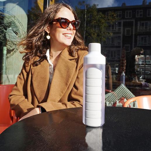 Gourde avec pilulier Vos comprimés seront toujours avec vous – et l'eau directement à portée de main.