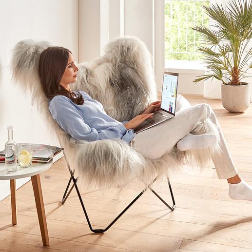 Le dossier du fauteuil affiche une largeur et une hauteur généreuses– pour un confort d'assise indiscutable, même pour les personnes de grande taille.