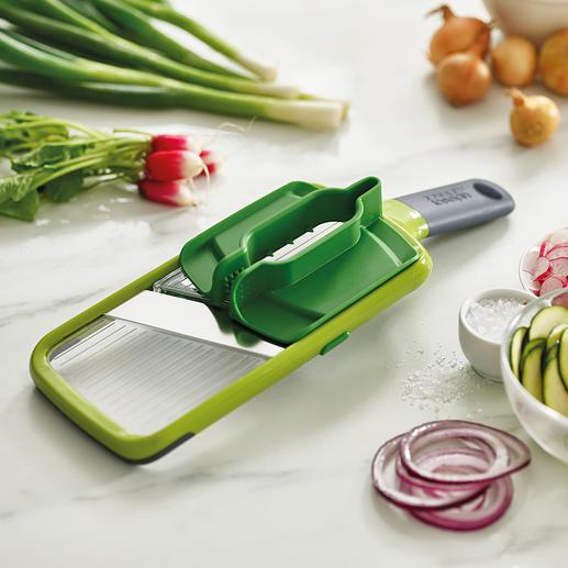 Mandoline Multi-Grip™ Joseph Joseph Tranchez et râpez en toute sécurité grâce aux embouts multiples pour les fruits et les légumes de presque toutes les tailles.