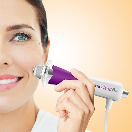DermaWand®Pro 100 000 micro-pulsations par seconde rehaussent la ligne des sourcils et stimulent la circulation sanguine.