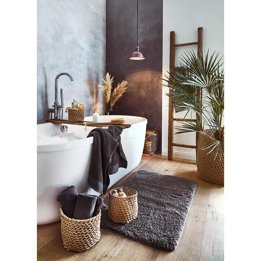 Les corbeilles en papier peuvent être utilisées de manière variée dans toute la maison: en tant que récipient pour vos accessoires de salle de bains ou cache-pot pour vos plantes.