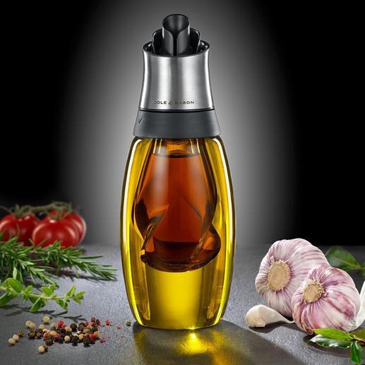 Duo d'huile et vinaigre Superbement étudié : design stylé. Becs verseurs séparés pour plus de propreté. Système de reflux innovant.