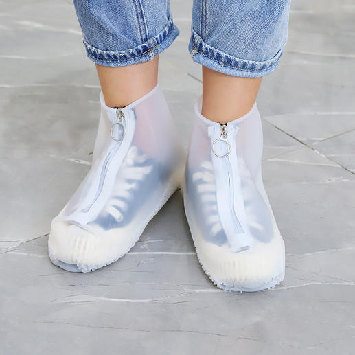 Sur-chaussures anti-pluie Une protection stylée contre l'humidité pour vos chaussures préférées.