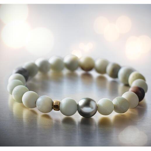Bracelet Amazonite avec perle de Tahiti Se combine de nombreuses manières grâce à ses composants précieux et adapté à tous les moments de la journée.