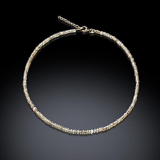 Collier Salt&Pepper Un véritable bijou noble, étincelant comme des diamants bruts mais à un prix bien plus abordable.