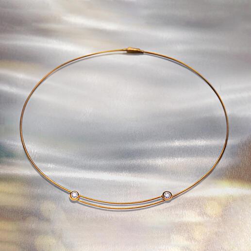 Bague ou Collier à diamants Idéal pour presque tous les décolletés : le collier serti de diamants en or 750. Avec bague en diamant assortie.