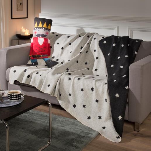 Figurines avec couverture douillette Un cadeau idéal : ces ravissantes poupées de chiffon renferment une douce couverture en flanelle.