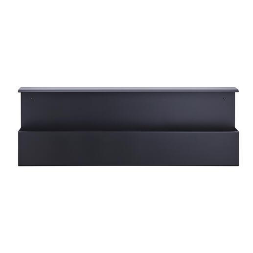 Le bord supérieur de la boîte à chaussures peut être utilisé comme une étagère étroite.