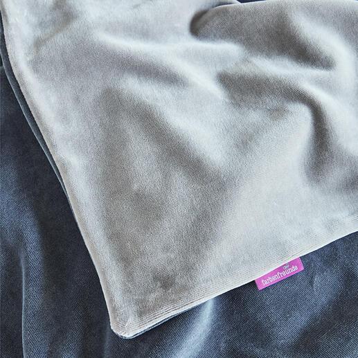 La couche supérieure veloutée et les nuances de gris s'harmonisent avec tous les styles d'ameublement.