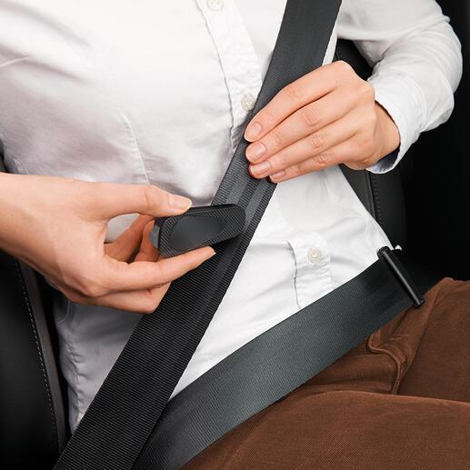 À l'aide de la lame de cutter intégrée, vous coupez votre ceinture de sécurité en quelques secondes.